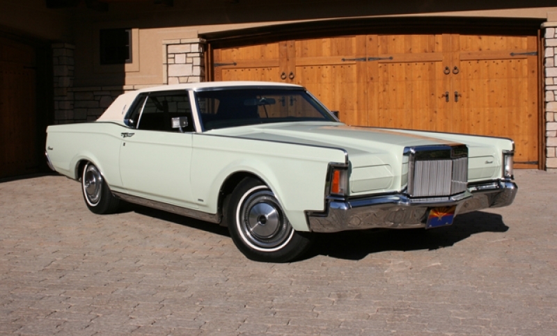 Lincoln Continental Mark III: 11 фото
