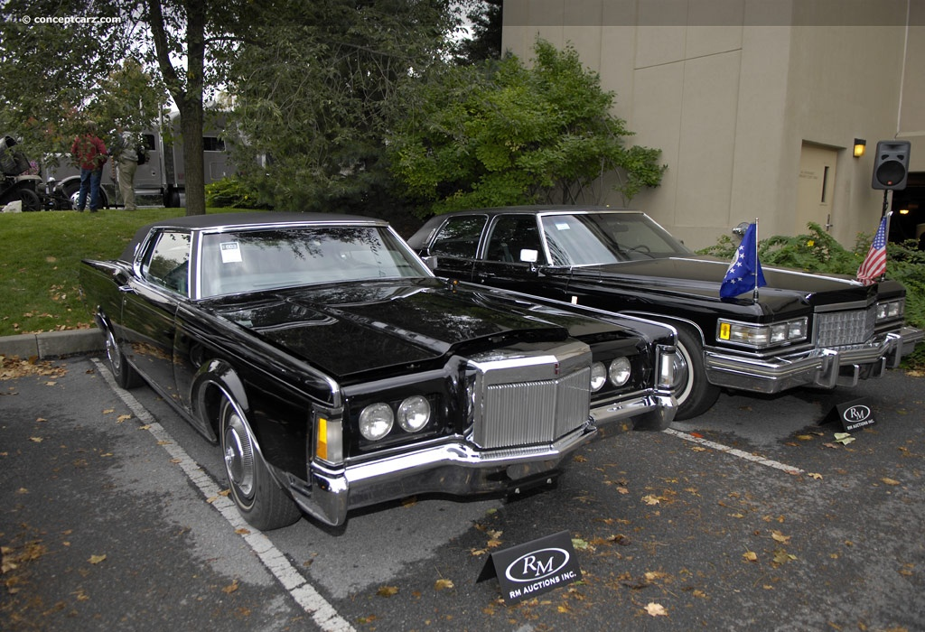 Lincoln Continental Mark III: 12 фото
