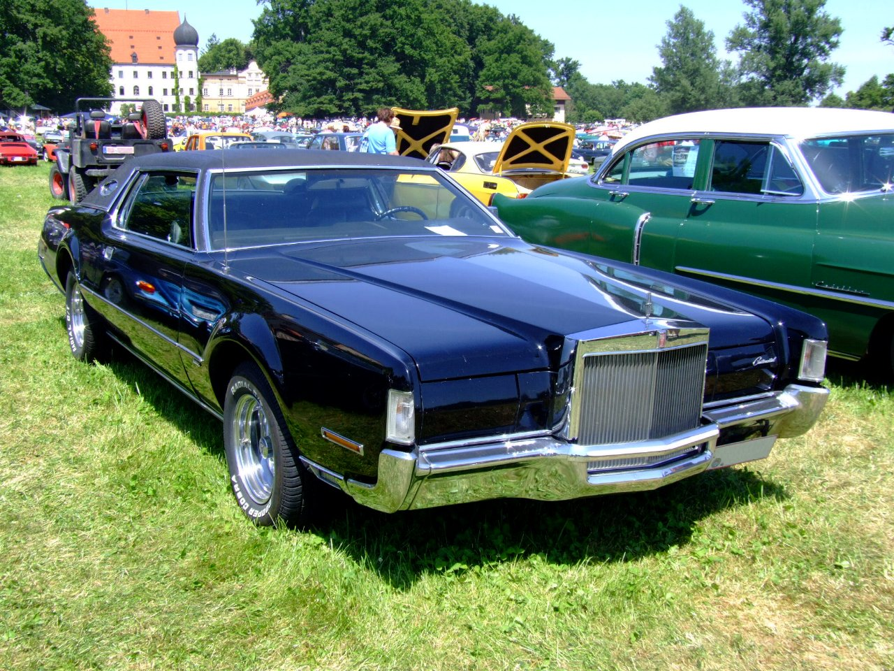 Lincoln Continental Mark IV