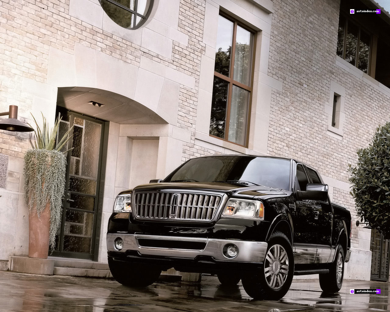 Lincoln Mark LT: 7 фото