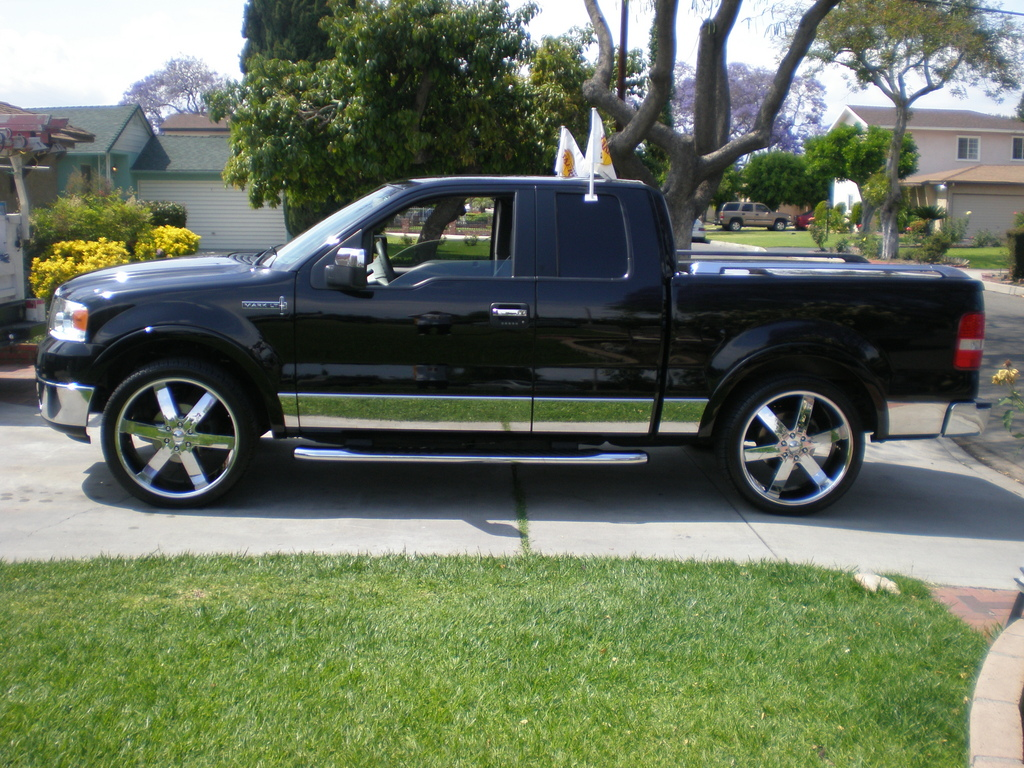 Lincoln Mark LT: 10 фото