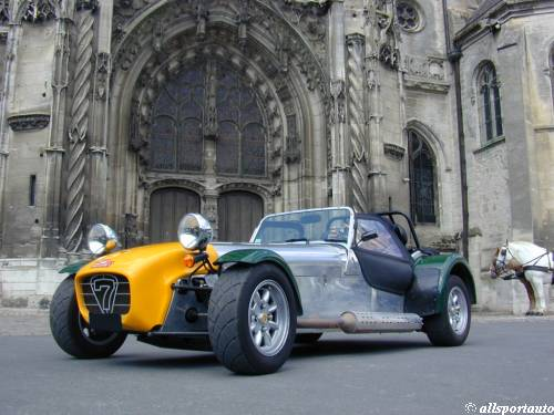 Caterham Super Seven: 11 фото