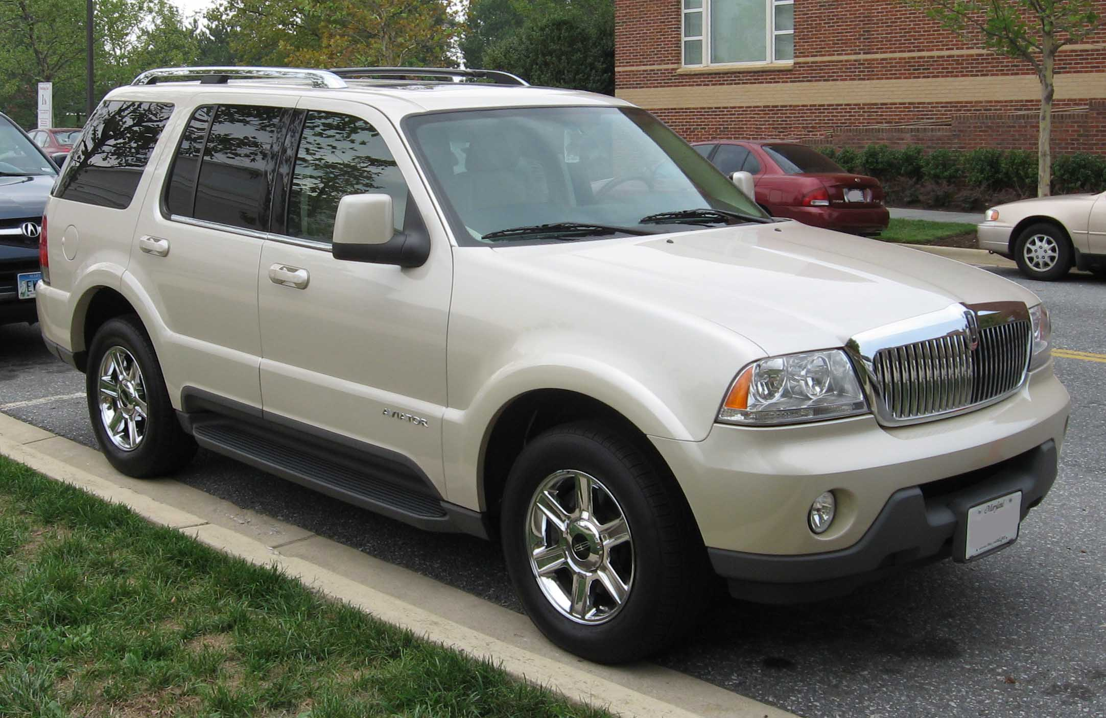 Lincoln Aviator: 05 фото