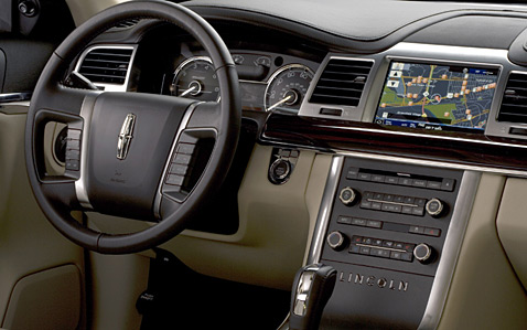 Lincoln MKS: 02 фото