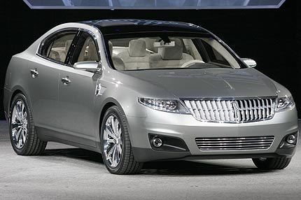 Lincoln MKS: 05 фото