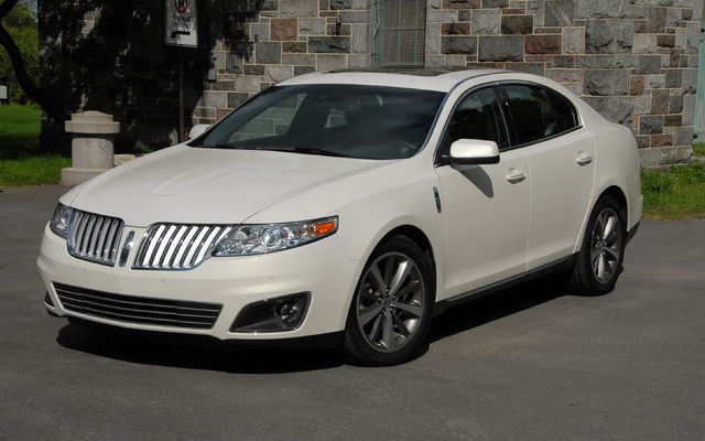 Lincoln MKS: 06 фото