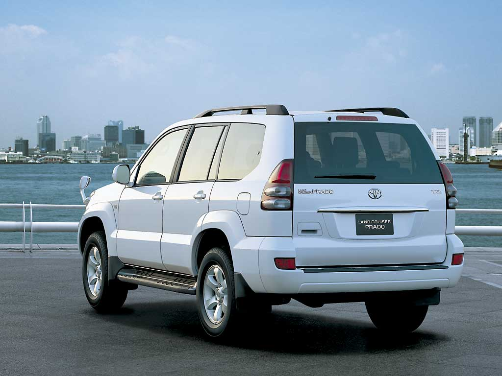 Toyota Land Cruiser Prado: 03 фото