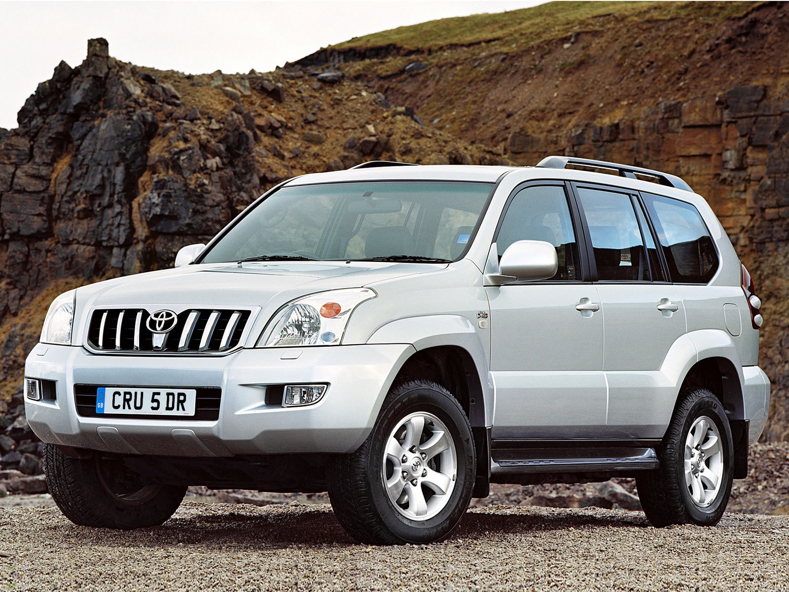 Toyota Land Cruiser Prado: 06 фото